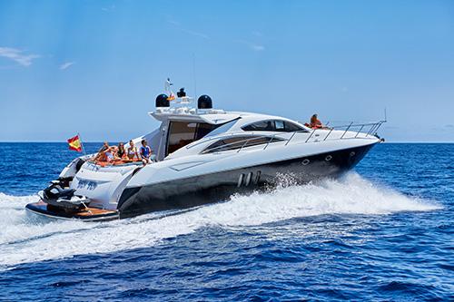 Lanchasibiza.com - Alquilar un yate para navegar en Ibiza